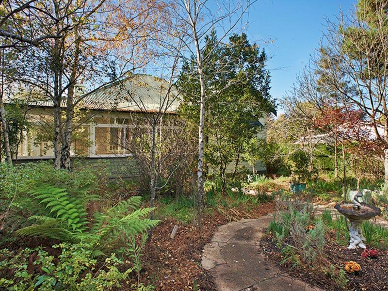 32 Pritchard Street, Wentworth Falls, NSW 2782
