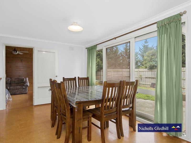 1 Goodjohn Court, Endeavour Hills, Vic 3802