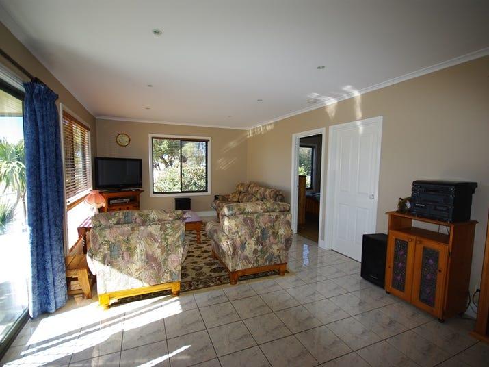 6 Beachcomber Road, Golden Beach, Vic 3851