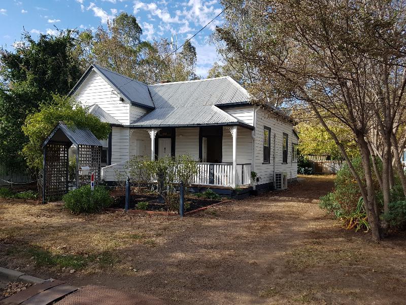 3 Pink Street, Violet Town, Vic 3669
