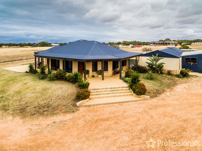 8 Webber Road, Moresby, WA 6530