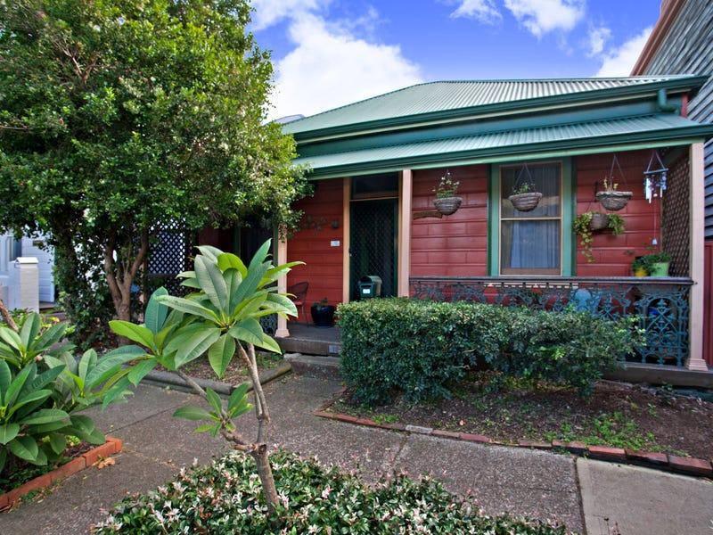 18 Lindsay Street, Hamilton, NSW 2303