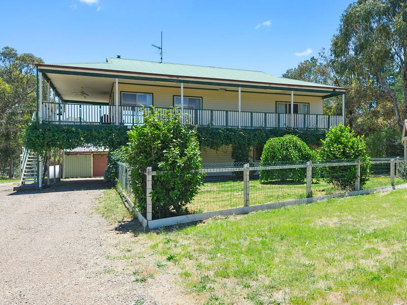 69 Willowlake Drive, Macs Cove, Vic 3723