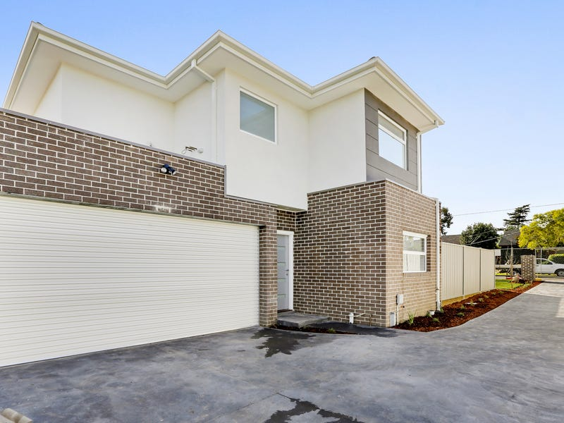 2/17 Fidge Court, Jacana, Vic 3047