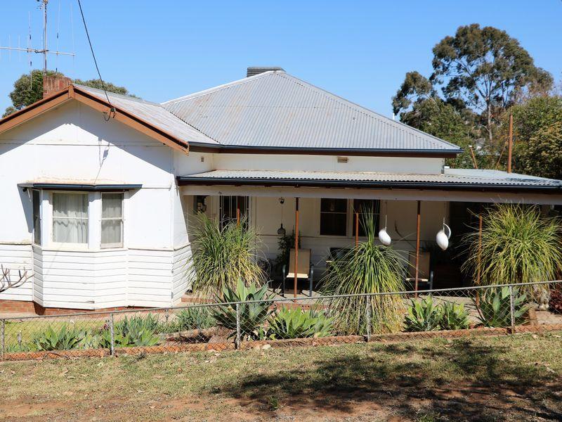 10 WILLIAM STREET, Parkes, NSW 2870