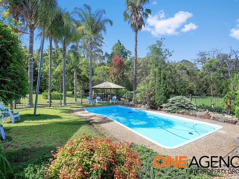 139 Woollamia Rd, Falls Creek, NSW 2540