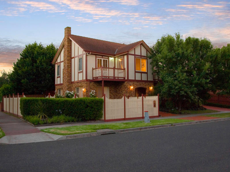 26 Wheatland Crescent, Dingley Village, Vic 3172