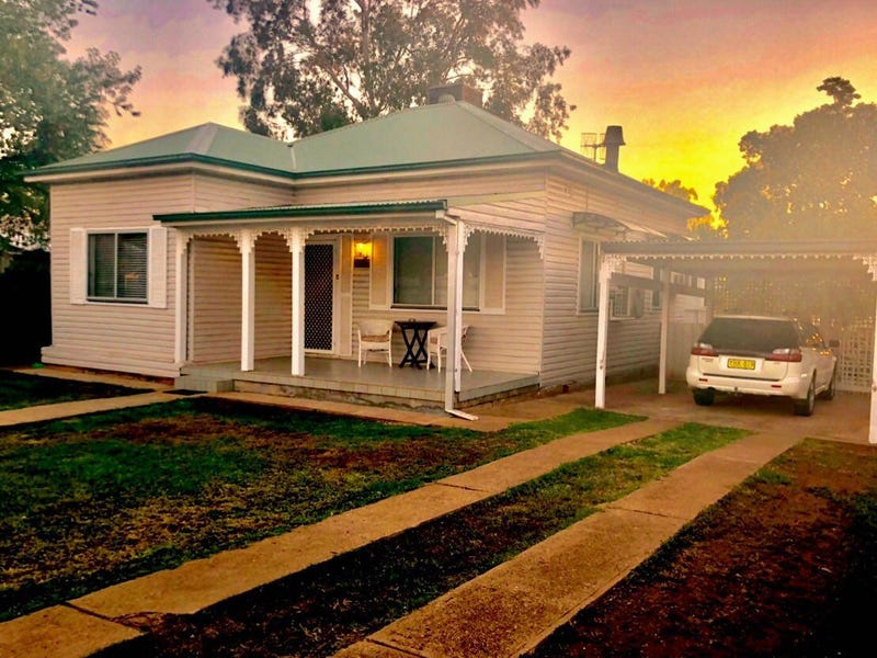 114 Euchie St, Peak Hill, NSW 2869