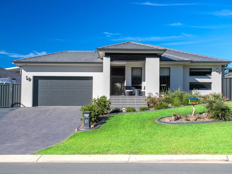 18 Macquarie Drive, Burrill Lake, NSW 2539