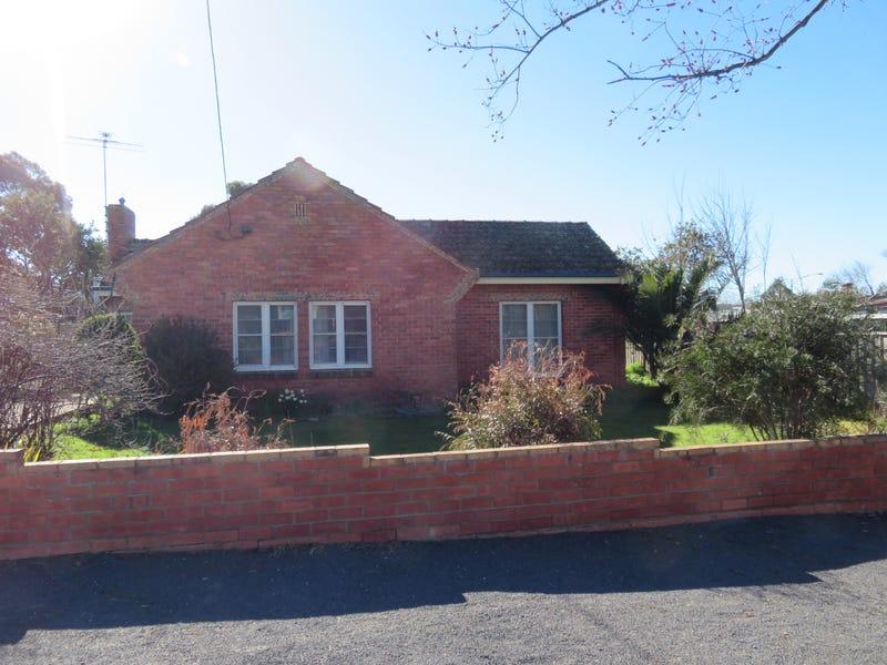 10 Kerr St, Wedderburn, Vic 3518