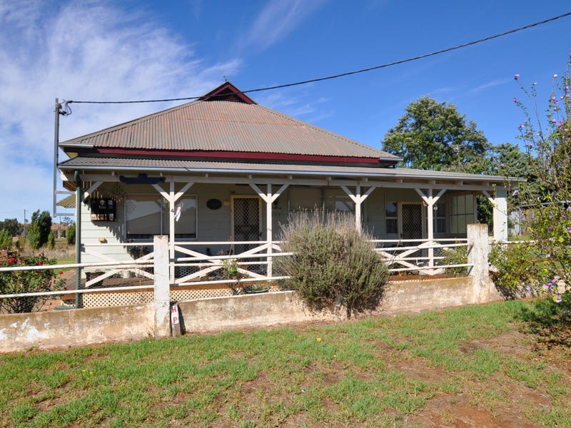 4 Percy Street, Junee, NSW 2663