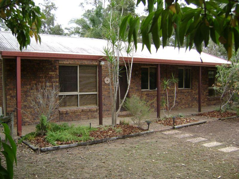 112 Bayley Road, Pine Mountain, Qld 4306