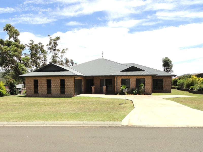 83 Highland Park Road, Meringandan West, Qld 4352