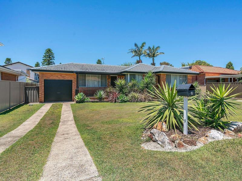 6 Braemar Road, Caves Beach, NSW 2281