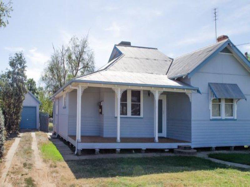 411 Church Street, Hay, NSW 2711