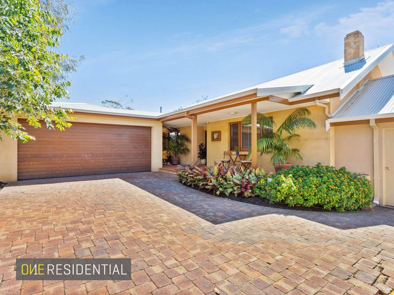 31 Kitchener Road, Melville, WA 6156