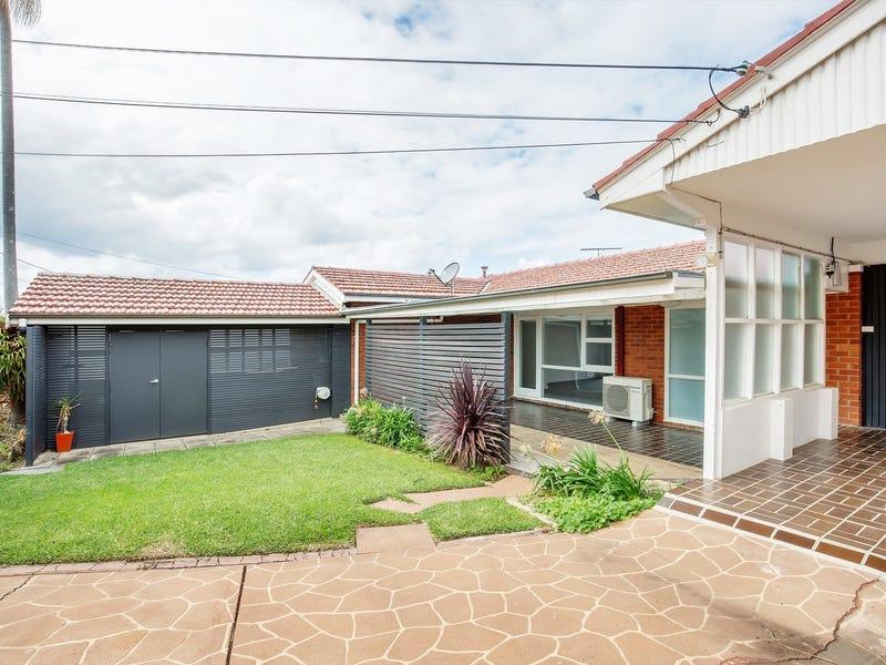 25 Carpenter Crescent, Warriewood, NSW 2102