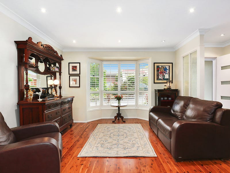 10 Karen Avenue, Picnic Point, NSW 2213