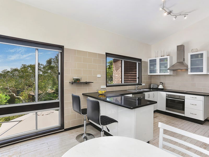 33 Heights Place, Hornsby Heights, NSW 2077