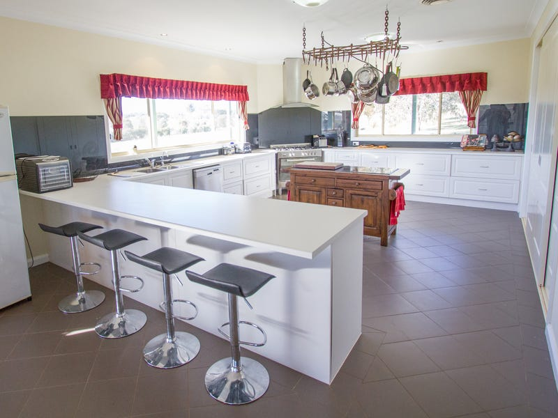 151 Golden Grove Road, Young, NSW 2594