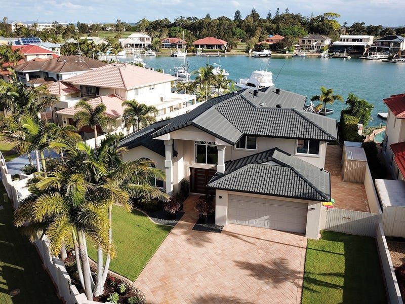 20 Martingale Court, Raby Bay