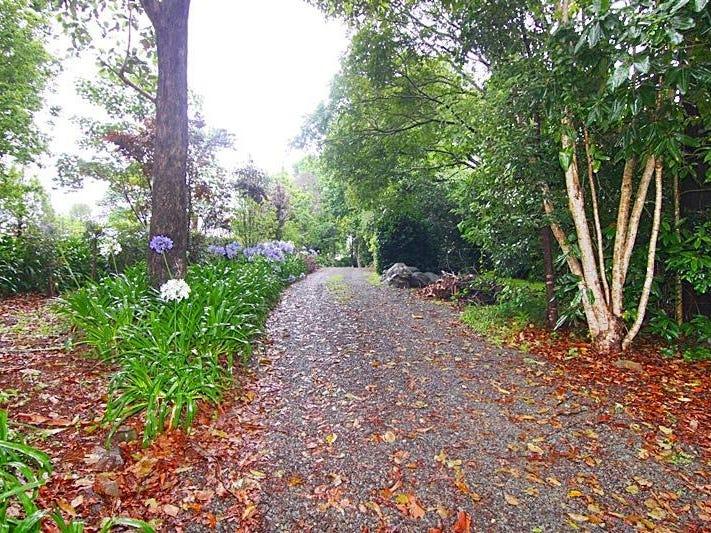 21 Bateke Road, Tamborine Mountain, Qld 4272