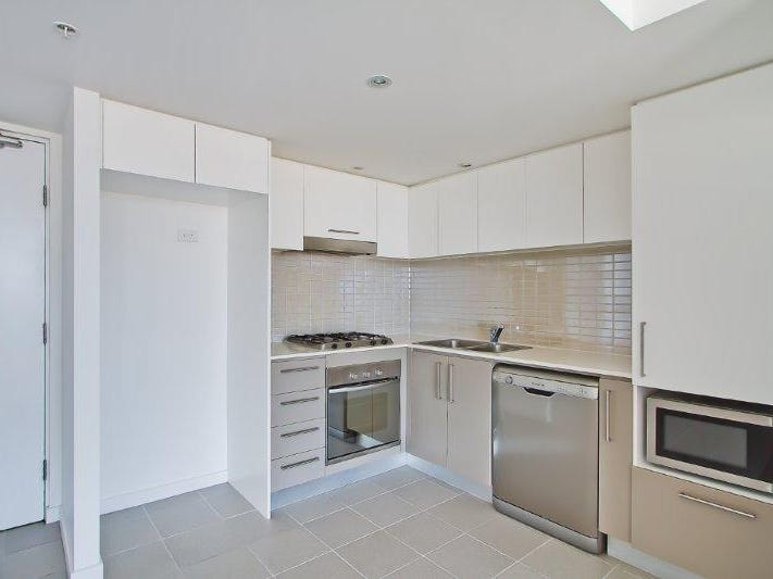 1122/56 Scarborough Street, Southport, Qld 4215