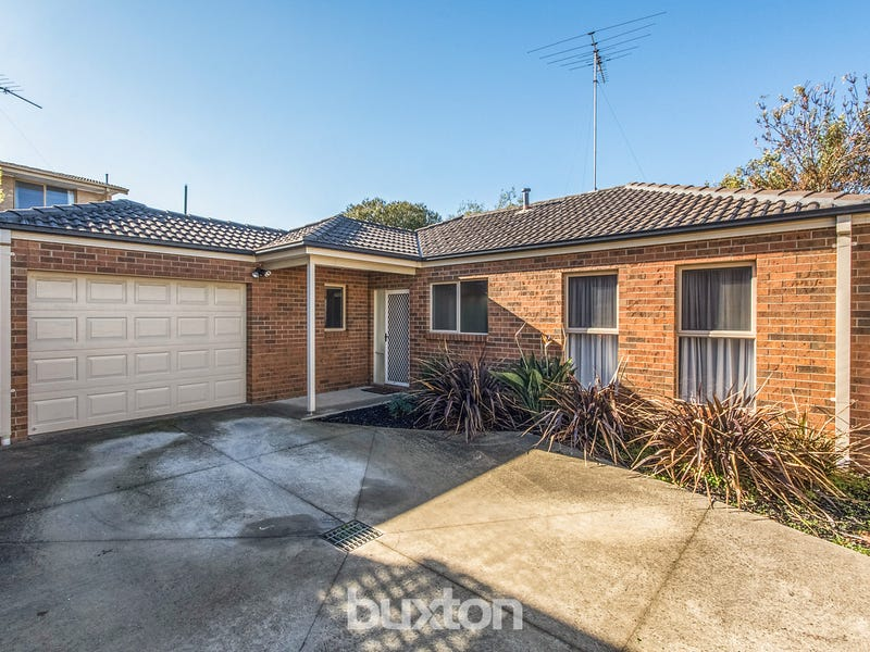 2/19 Montpellier Drive, Highton, Vic 3216