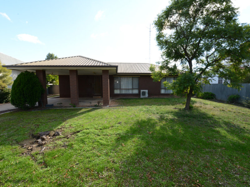 20 Learmonth Street, Charlton, Vic 3525