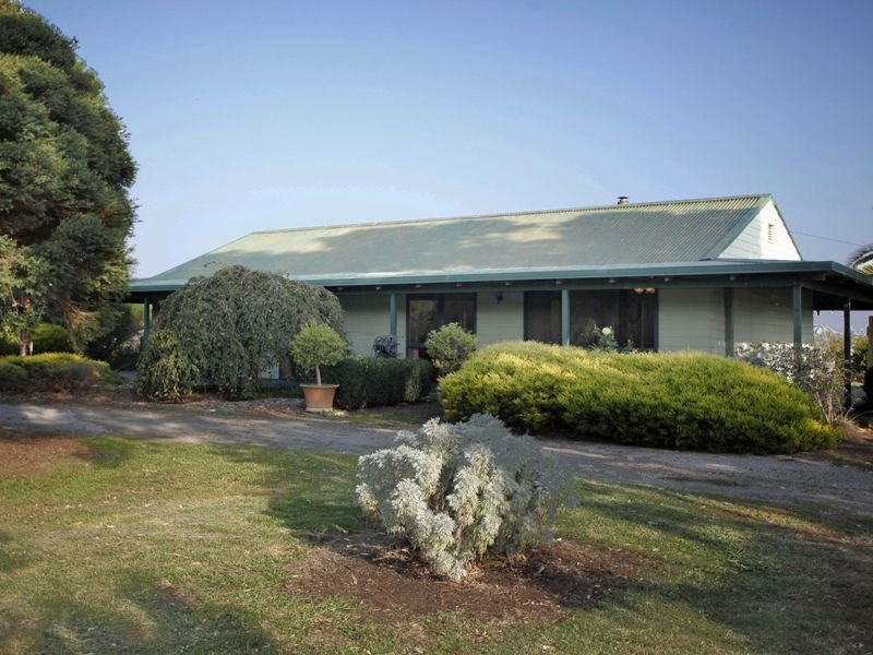70 Ellett Road, Pakenham South, Vic 3810