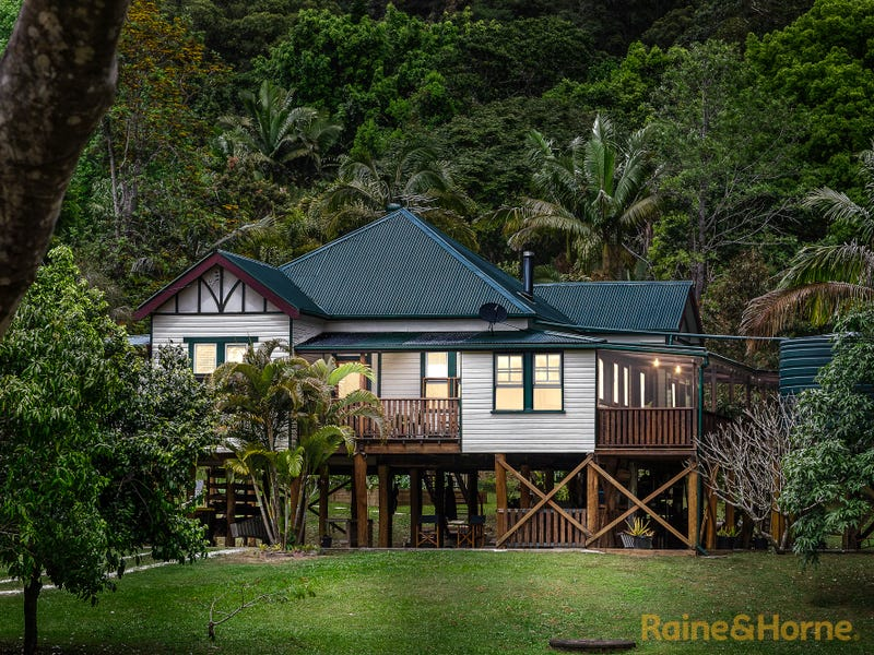 5 Benjamins Lane, Ocean Shores, NSW 2483