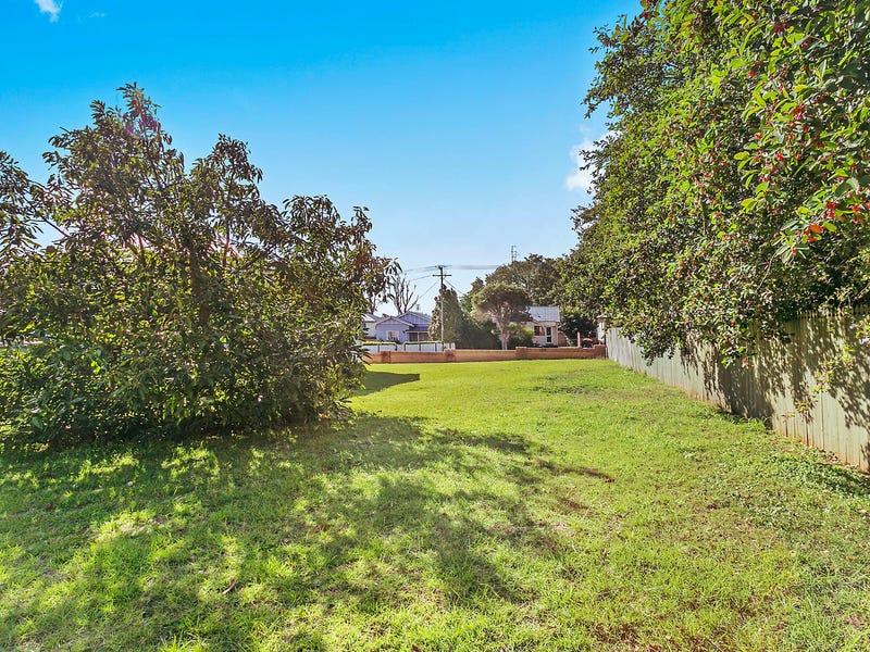 10 Atkinson Street, South Toowoomba, Qld 4350