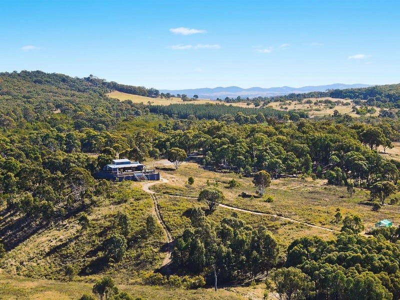 572 Berrebangelo Road, Gundaroo, NSW 2620