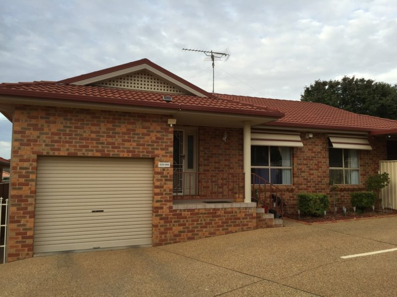4/3 Worfolk Place, Griffith, NSW 2680