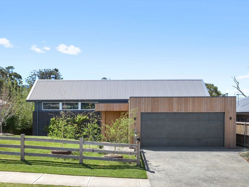 11 Hitchcocks Lane, Berry, NSW 2535