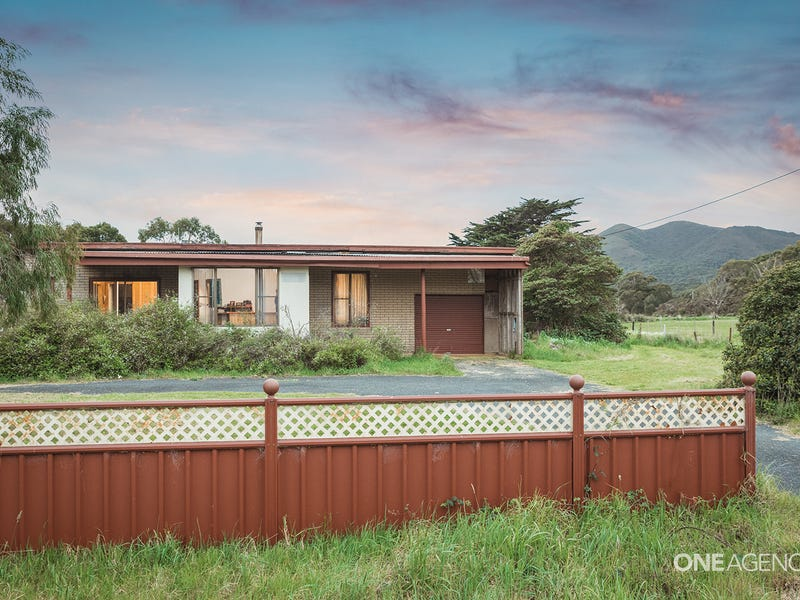 19332 Bass Highway, Rocky Cape, Tas 7321