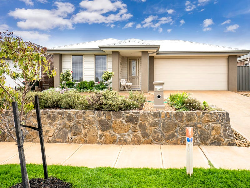 37 Mimulus Drive, Maddingley, Vic 3340
