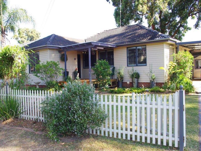 31 Luttrell Street, Hobartville, NSW 2753