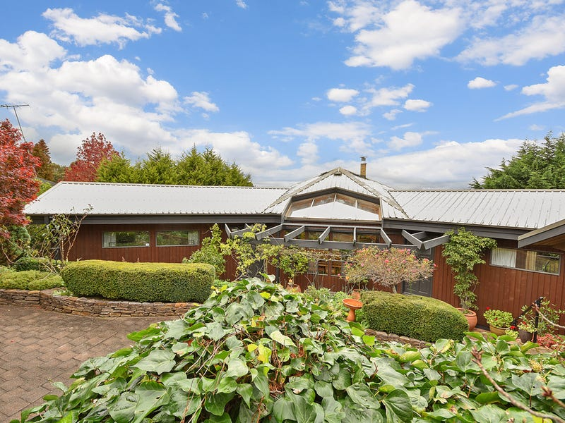 41 Valley Road, Wentworth Falls, NSW 2782