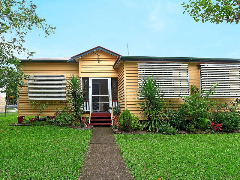8 Railway Street, Landsborough, Qld 4550