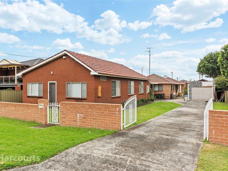 2/5 Mackie Street, Coniston, NSW 2500