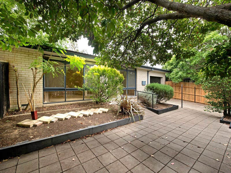 10 Stumm Place, Latham, ACT 2615