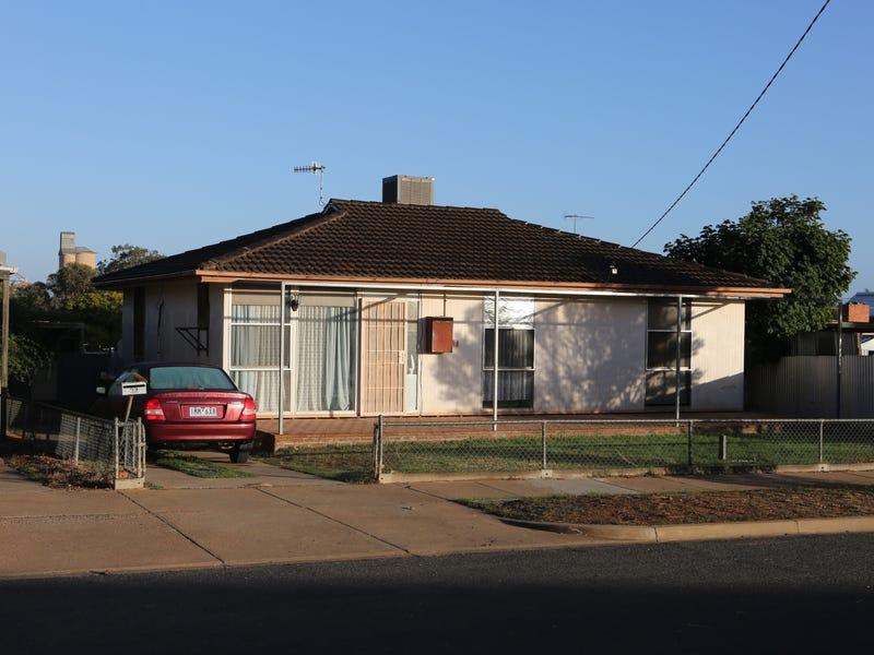 32 Ritchie Street, Ouyen, Vic 3490