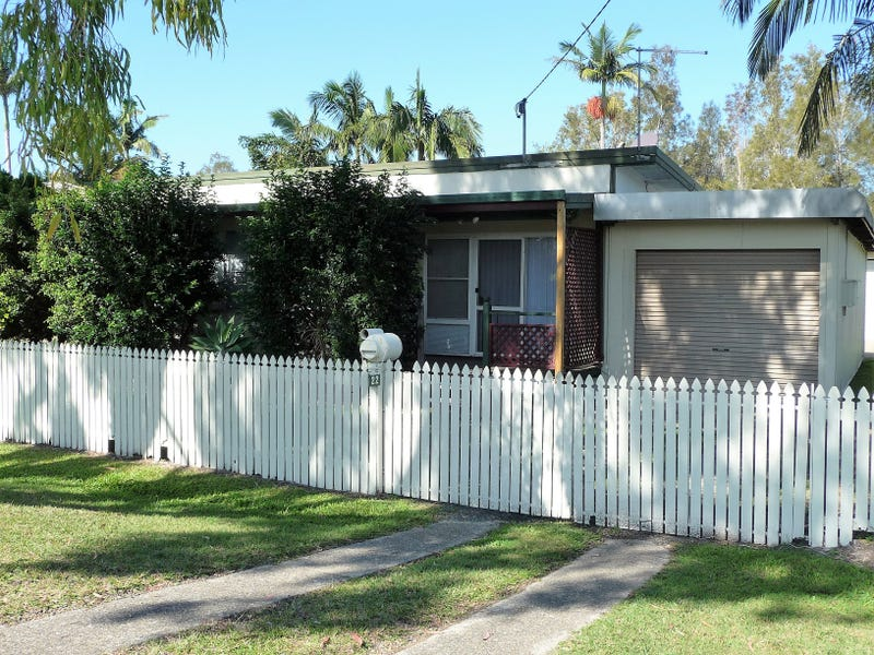 22 Third Av, Toorbul, Qld 4510