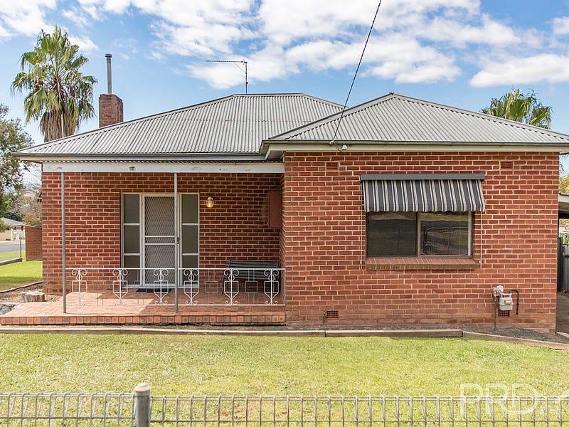 100 Simpson Street, Tumut, NSW 2720