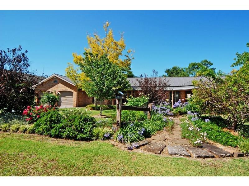 12 Rouse Avenue, Cambewarra, NSW 2540