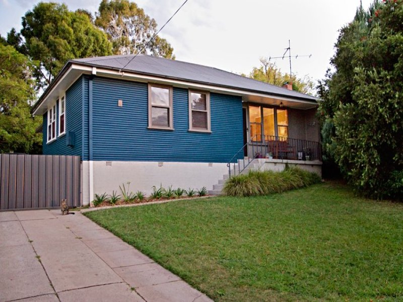 4 McKenzie Place, Bathurst, NSW 2795