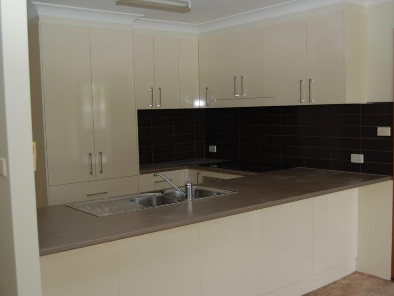 8 Denehurst Place, Port Macquarie, NSW 2444