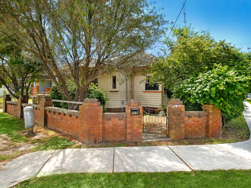 2 Reserve Street, West Wollongong, NSW 2500