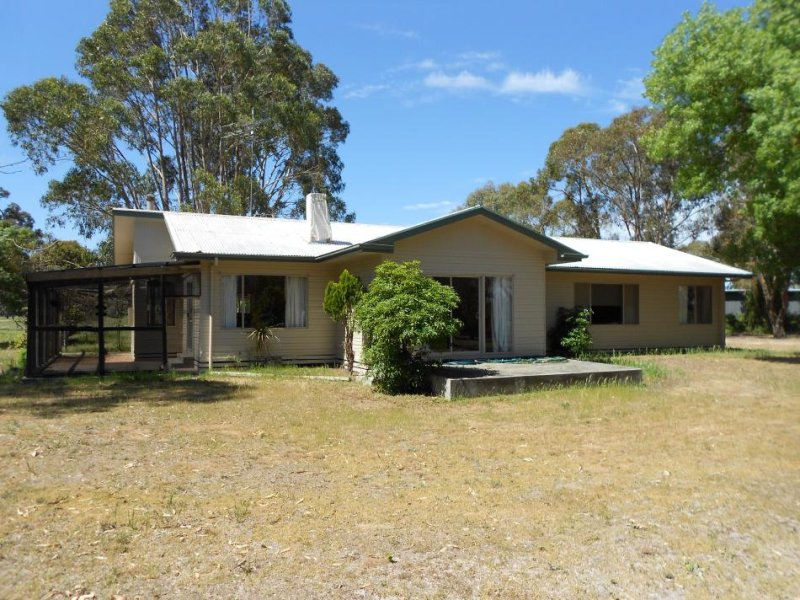 17 Tarcas Road, Frances, SA 5262